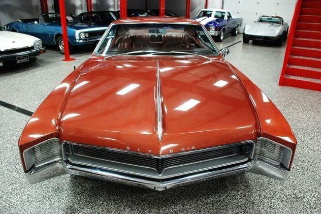 1966 Buick Riviera GS 425 CI, Automatic presented as lot S24 at St. Charles, IL 2011 - image4