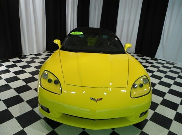 2009 Chevrolet Corvette Convertible LS3, Automatic presented as lot S29 at St. Charles, IL 2011 - image2