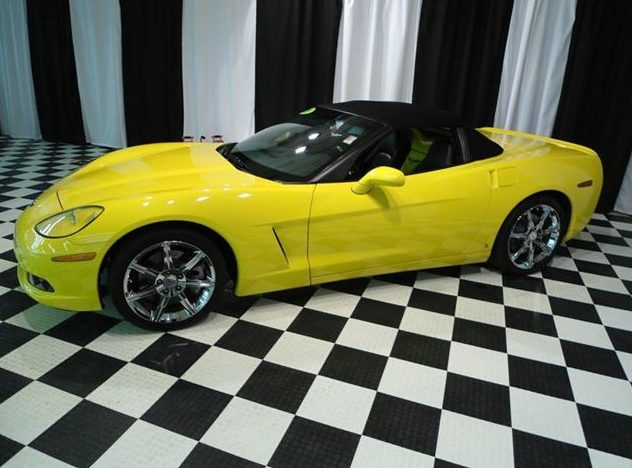 2009 Chevrolet Corvette Convertible LS3, Automatic presented as lot S29 at St. Charles, IL 2011 - image3