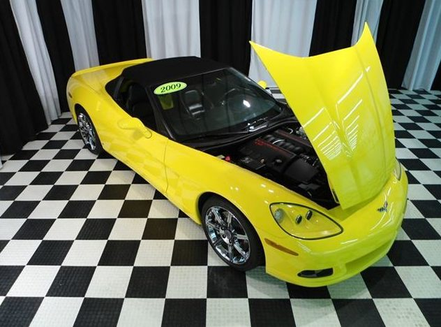 2009 Chevrolet Corvette Convertible LS3, Automatic presented as lot S29 at St. Charles, IL 2011 - image5