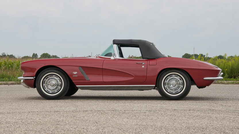 1962 Chevrolet Corvette Convertible 327 CI, 4-Speed presented as lot S31 at St. Charles, IL 2011 - image3