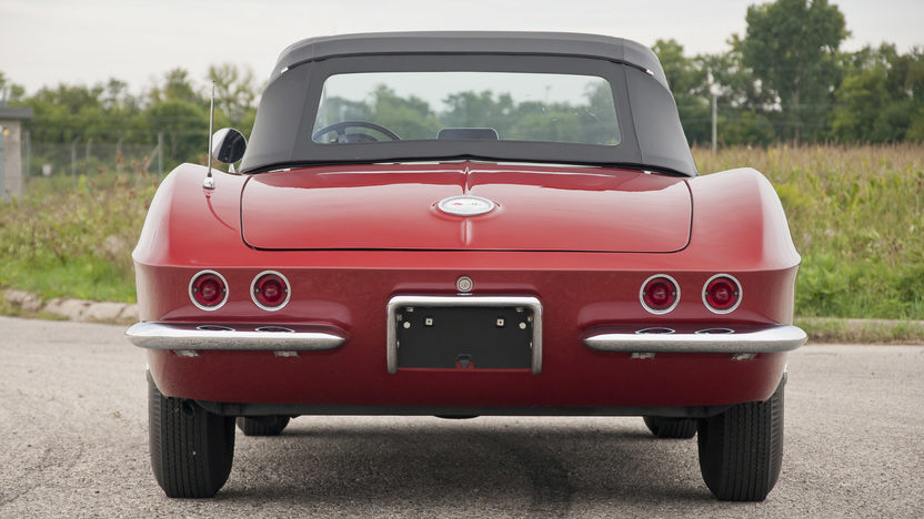 1962 Chevrolet Corvette Convertible 327 CI, 4-Speed presented as lot S31 at St. Charles, IL 2011 - image4