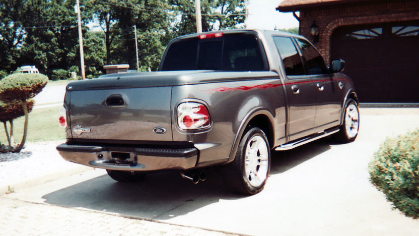 2002 Ford F150 Supercrew Harley-Davidson 340 HP, Automatic presented as lot S40 at St. Charles, IL 2011 - image2