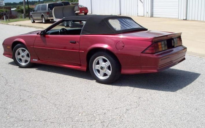 1991 Chevrolet Camaro Z28 Convertible 305 CI presented as lot S41 at St. Charles, IL 2011 - image2