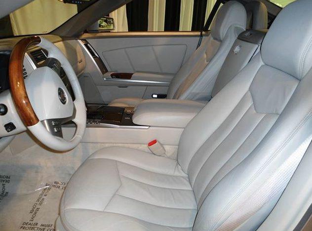 2005 Cadillac XLR Hardtop presented as lot S61 at St. Charles, IL 2011 - image5