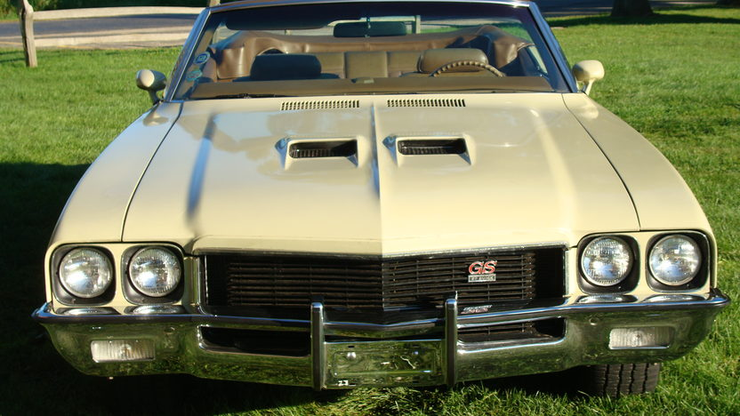 1972 Buick Stage 1 presented as lot S64 at St. Charles, IL 2011 - image2