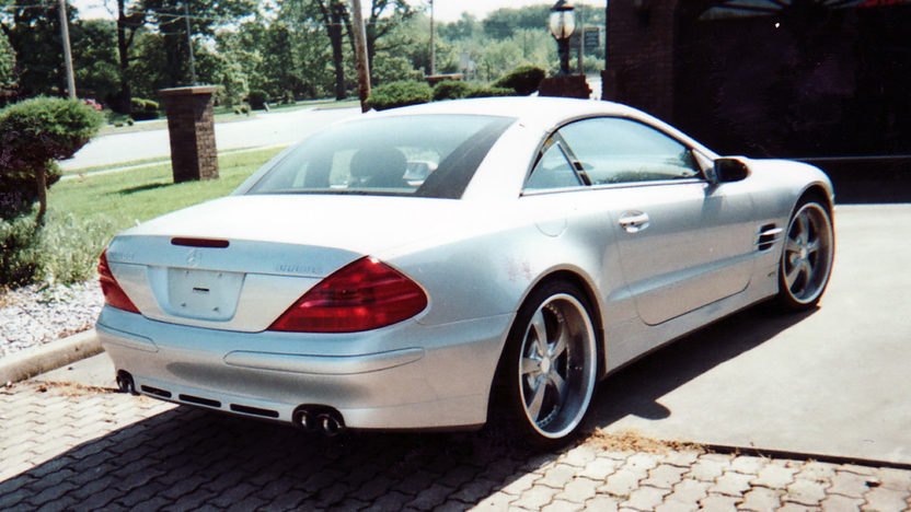 2005 Mercedes-Benz SL500 780 Actual Miles presented as lot S74 at St. Charles, IL 2011 - image2