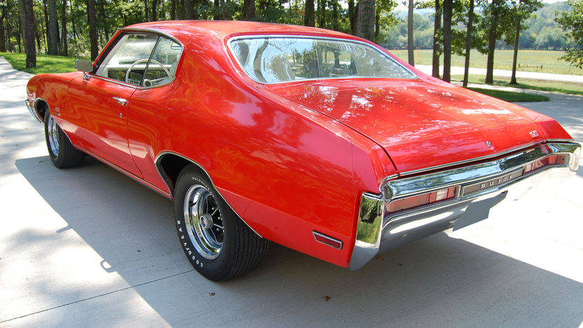 1970 Buick GS Stage 1 Factory Show Car 455/360 HP, Automatic presented as lot S93 at St. Charles, IL 2011 - image2