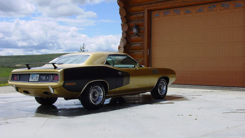 1971 Plymouth Hemi Cuda 426/425 HP, Automatic presented as lot S94 at St. Charles, IL 2011 - image2