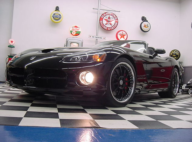 2003 Dodge Viper SRT/10 522/841 HP, 6-Speed presented as lot S111 at St. Charles, IL 2011 - image7