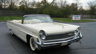 1959 Lincoln Mark IV Convertible 430/350 HP, Automatic presented as lot S118 at St. Charles, IL 2011 - thumbail image3
