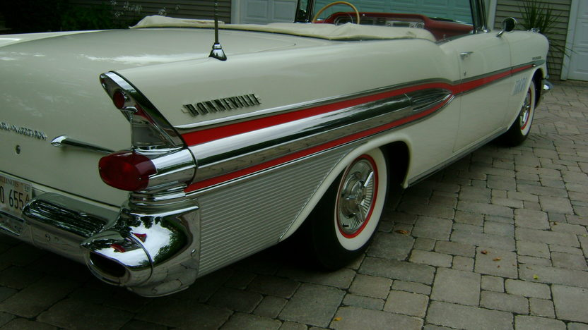 1957 Pontiac Bonneville Convertible 347/310 HP, Automatic presented as lot S124 at St. Charles, IL 2011 - image2
