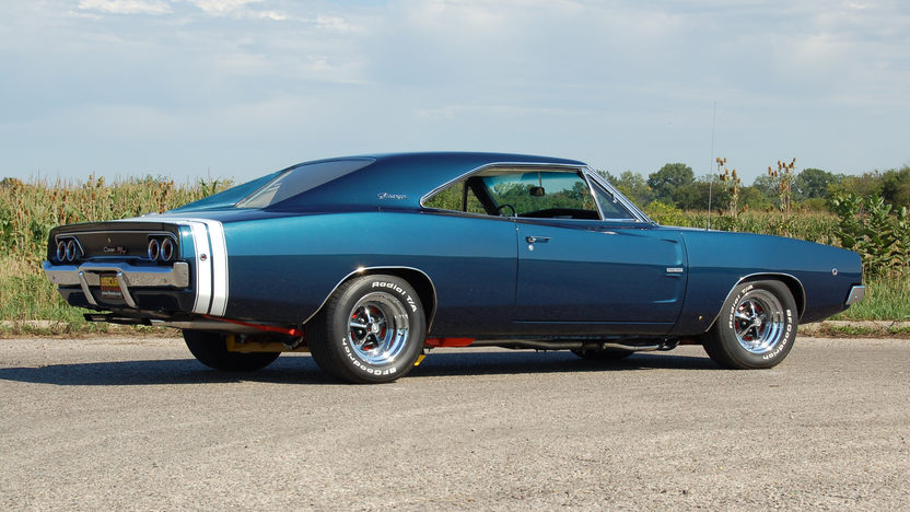 1968 Dodge Hemi Charger R/T 2-Door Hardtop 426/465 HP, 4-Speed presented as lot S146 at St. Charles, IL 2011 - image4