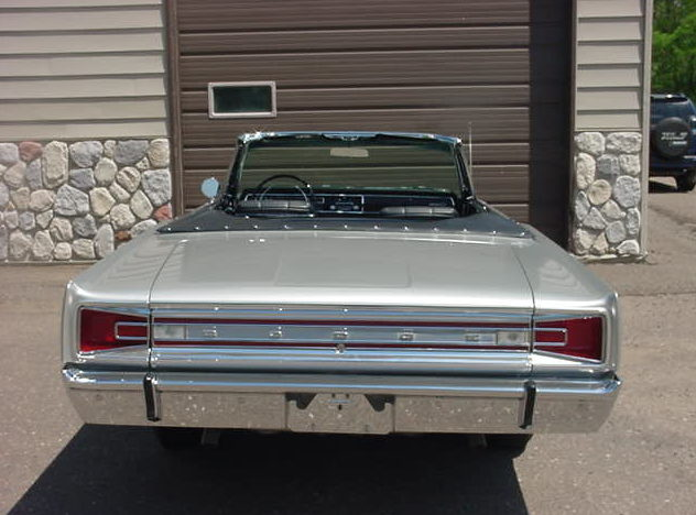 1966 Dodge Hemi Coronet 500 Convertible 426 CI, 4-Speed presented as lot S148 at St. Charles, IL 2011 - image2