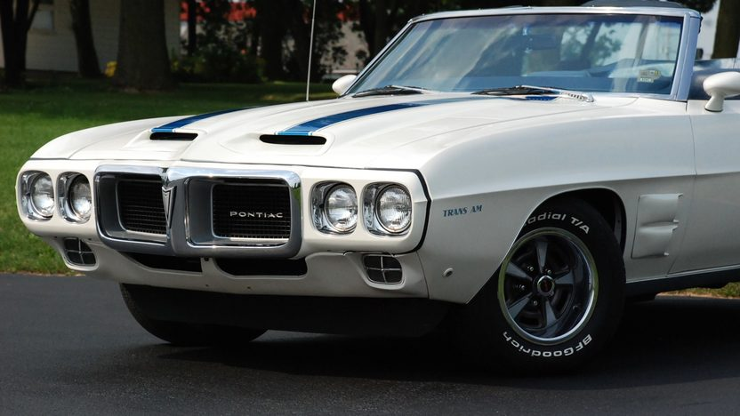 1969 Pontiac Firebird Trans Am Replica 400 CI, Automatic presented as lot S163 at St. Charles, IL 2011 - image2
