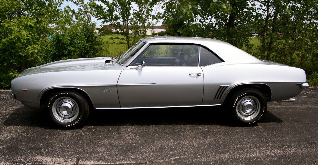 1969 Chevrolet COPO Camaro 427/425 HP, 4-Speed presented as lot S170 at St. Charles, IL 2011 - image2