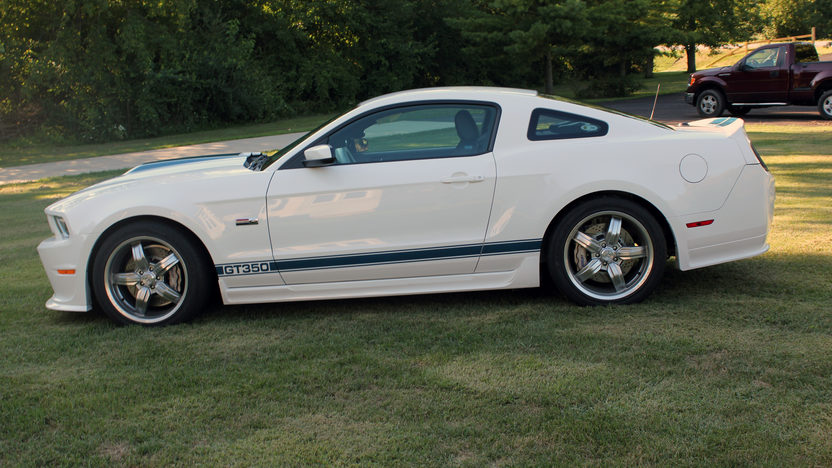 2011 Ford Shelby GT350 Coupe 5.0/624 HP, 6-Speed presented as lot S190 at St. Charles, IL 2011 - image2