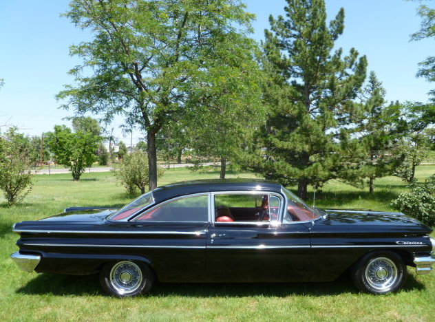 1960 Pontiac Catalina 389 CI, Automatic presented as lot S201 at St. Charles, IL 2011 - image2