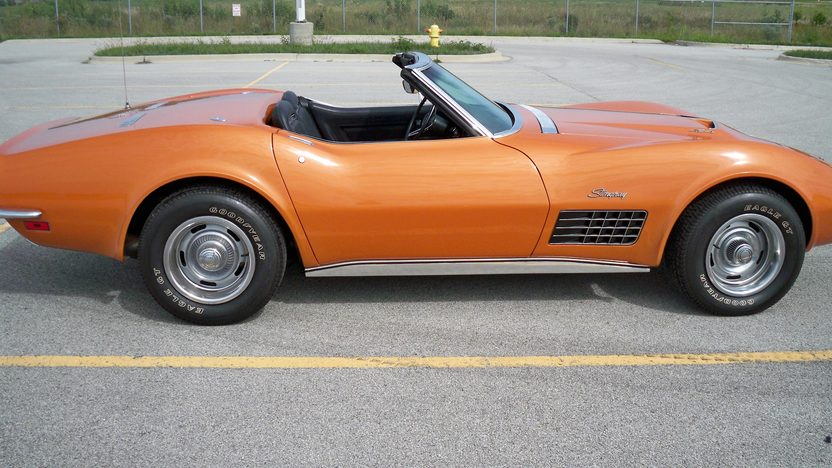 1971 Chevrolet Corvette Convertible 454/365 HP, 4-Speed presented as lot S217 at St. Charles, IL 2011 - image2
