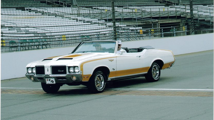 1972 Oldsmobile Hurst Pace Car Convertible 455 CI, Automatic presented as lot S220 at St. Charles, IL 2011 - image2