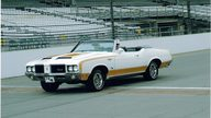 1972 Oldsmobile Hurst Pace Car Convertible 455 CI, Automatic presented as lot S220 at St. Charles, IL 2011 - thumbail image2