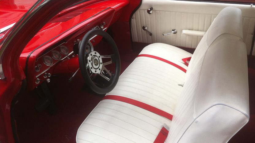 1961 Chevrolet Bel Air 350 CI, Automatic presented as lot S221 at St. Charles, IL 2011 - image2
