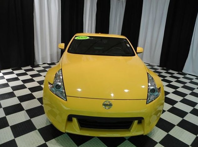 2009 Nissan 370z Coupe presented as lot U42 at St. Charles, IL 2011 - image2