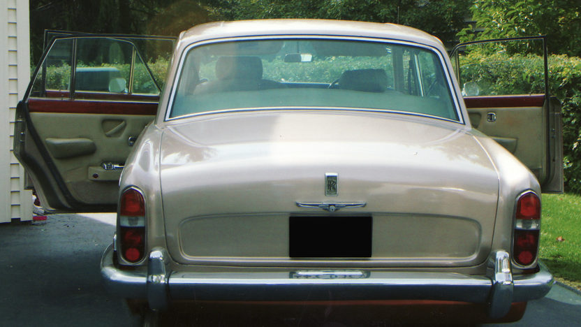 1973 Rolls-Royce Silver Shadow 4-Door Hardtop presented as lot U45 at St. Charles, IL 2011 - image3
