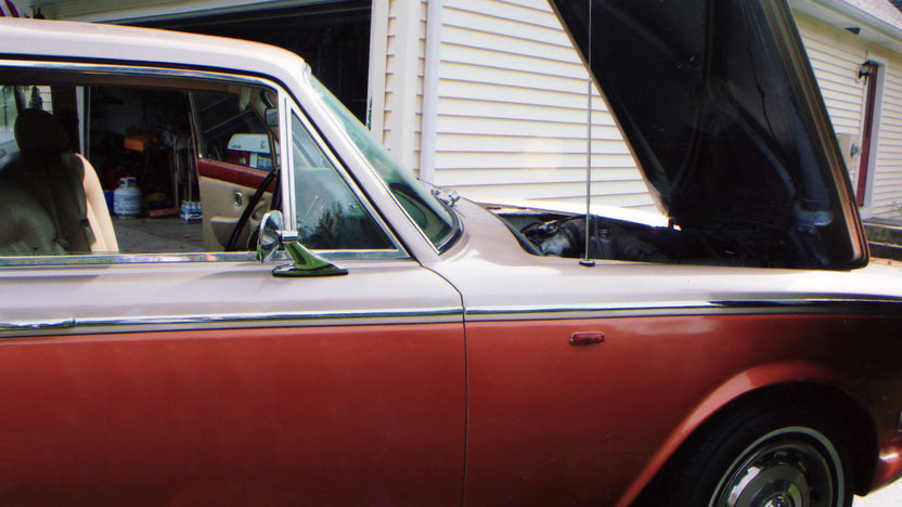 1973 Rolls-Royce Silver Shadow 4-Door Hardtop presented as lot U45 at St. Charles, IL 2011 - image5