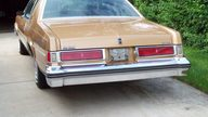 1977 Oldsmobile Delta 88 350 CI, Automatic presented as lot U48 at St. Charles, IL 2011 - thumbail image4