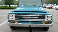 1968 IH Travel-All presented as lot U49 at St. Charles, IL 2011 - thumbail image4