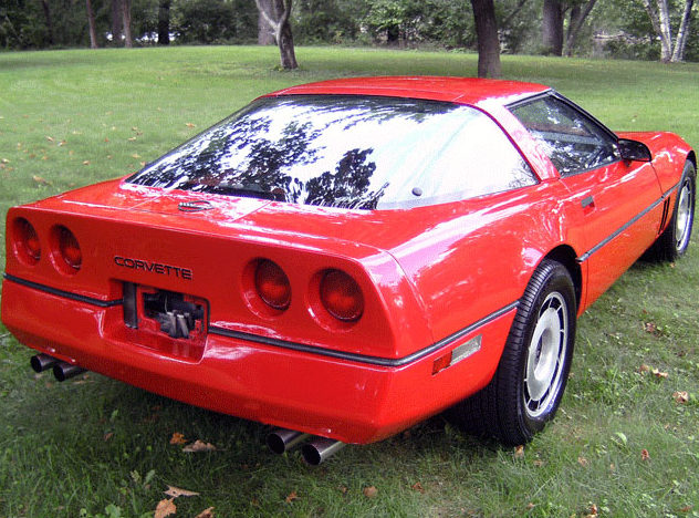 1984 Chevrolet Corvette 5.7L, Automatic presented as lot U144 at St. Charles, IL 2011 - image3