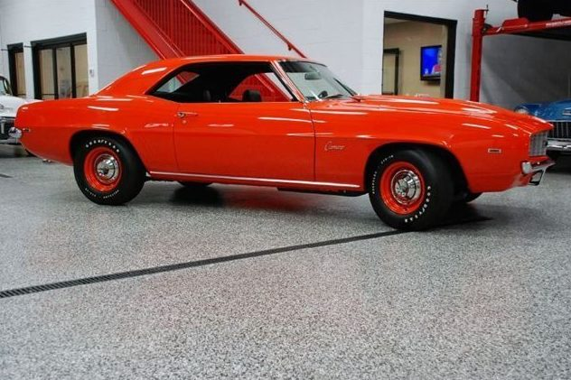 1969 Chevrolet Camaro COPO Replica 4-Speed presented as lot U160 at St. Charles, IL 2011 - image2