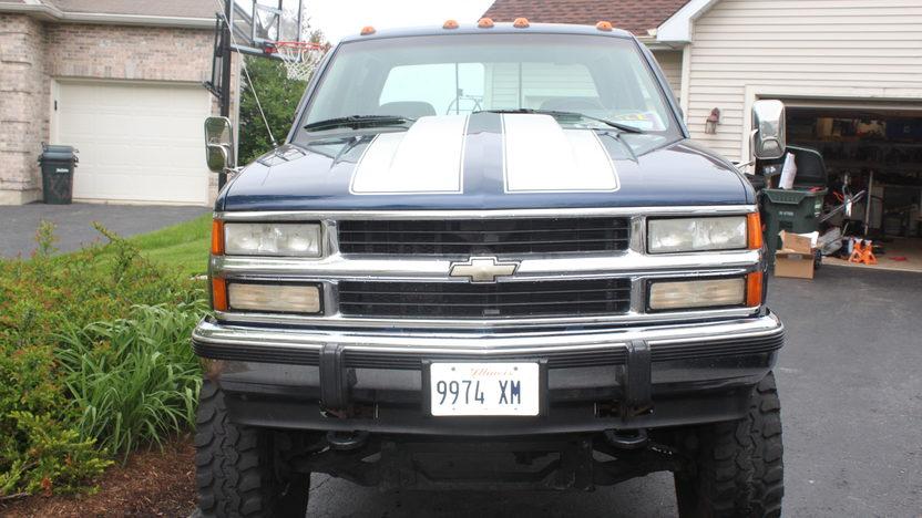 1994 Chevrolet Silverado Pickup 454 CI presented as lot U94 at St. Charles, IL 2011 - image5