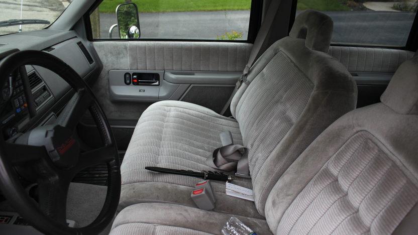 1994 Chevrolet Silverado Pickup 454 CI presented as lot U94 at St. Charles, IL 2011 - image6