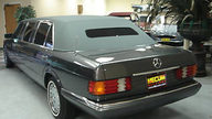 1985 Mercedes-Benz 500 SEL 4-Door Limo 5.0L, Automatic presented as lot U115 at St. Charles, IL 2011 - thumbail image3