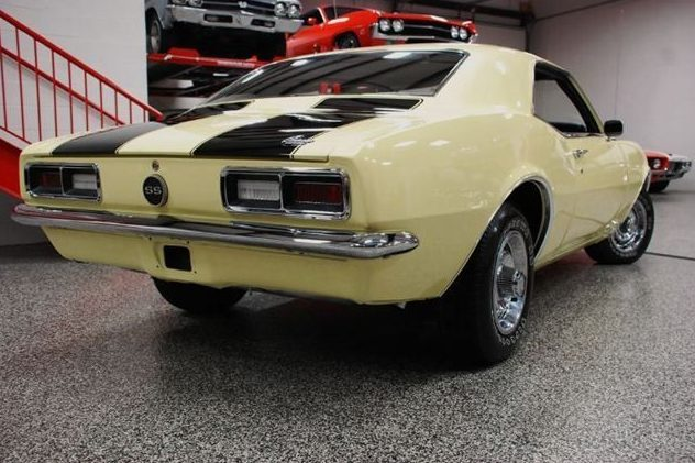 1968 Chevrolet Camaro 350 CI, Automatic presented as lot U121 at St. Charles, IL 2011 - image3