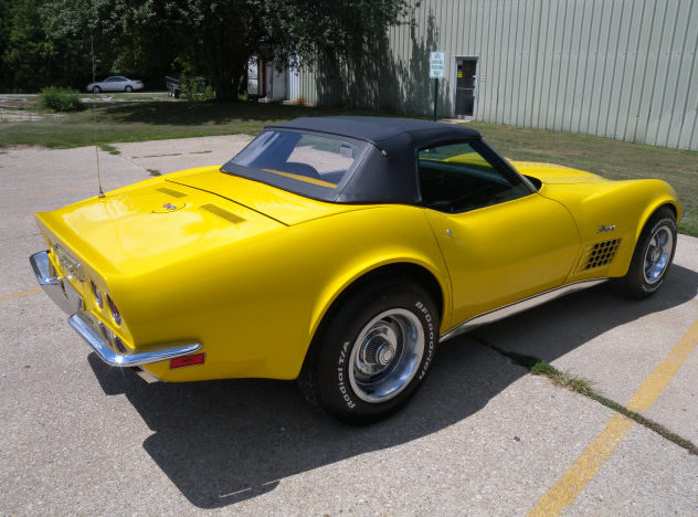 1972 Chevrolet Corvette Convertible 350 CI, 4-Speed presented as lot F111 at St. Charles, IL 2011 - image2