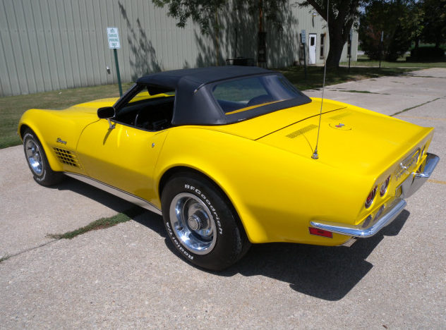 1972 Chevrolet Corvette Convertible 350 CI, 4-Speed presented as lot F111 at St. Charles, IL 2011 - image9