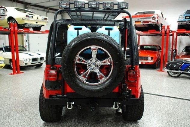 1991 Jeep Wrangler Renegade 4.0L, 5-Speed presented as lot S125 at St. Charles, IL 2011 - image3
