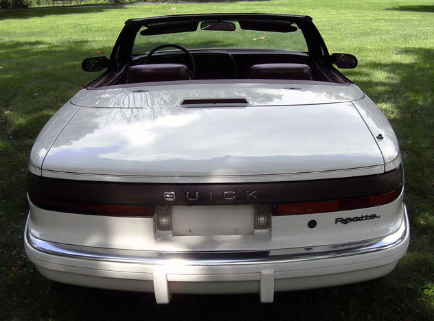 1990 Buick Reatta Convertible Automatic presented as lot F279 at St. Charles, IL 2011 - image4