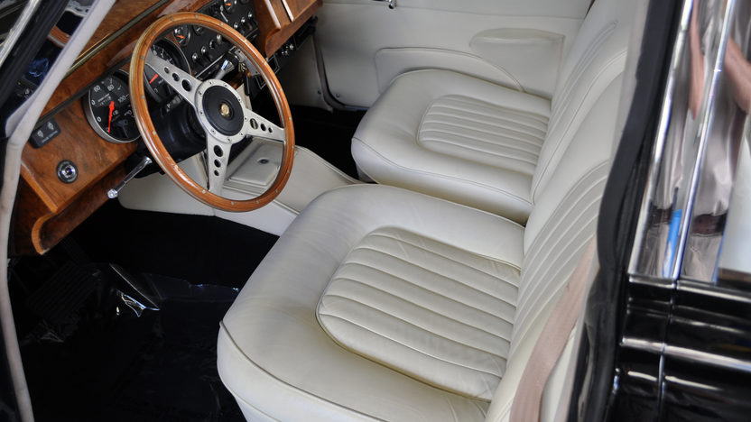 1963 Jaguar Mark II 4-Door Sedan 350 CI, Automatic presented as lot S49 at St. Charles, IL 2011 - image5