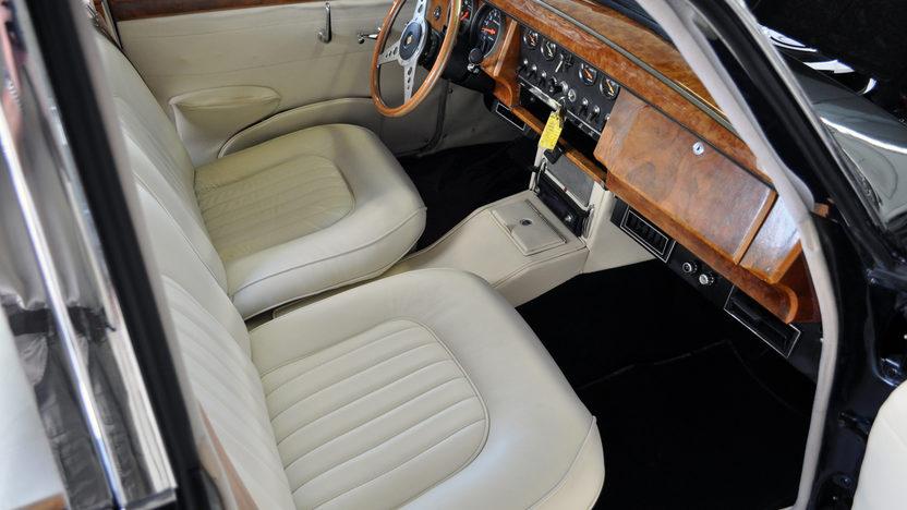 1963 Jaguar Mark II 4-Door Sedan 350 CI, Automatic presented as lot S49 at St. Charles, IL 2011 - image6