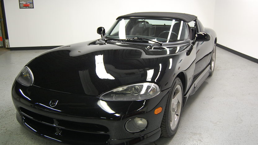 1994 Dodge Viper RT/10 Roadster 6-Speed presented as lot F91 at St. Charles, IL 2011 - image2