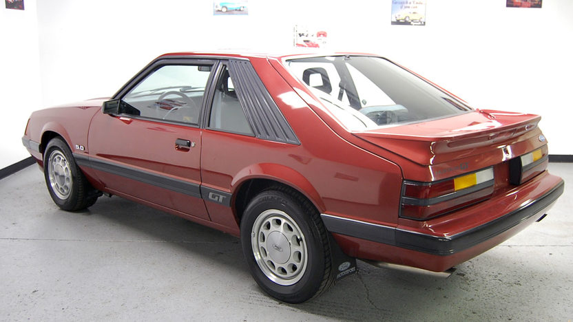 1986 Ford Mustang GT 302 CI presented as lot F94 at St. Charles, IL 2011 - image2