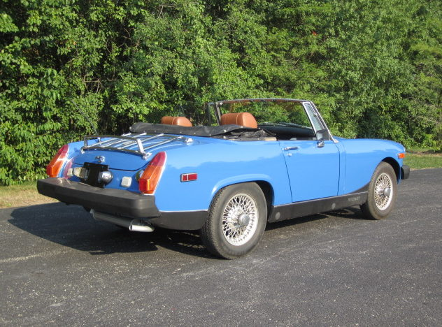 1976 MG  Convertible presented as lot T123 at St. Charles, IL 2011 - image2