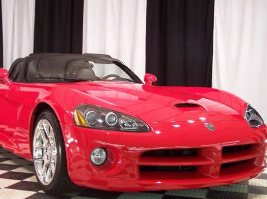 2003 Dodge Viper SRT/10 Convertible presented as lot T180 at St. Charles, IL 2011 - image2