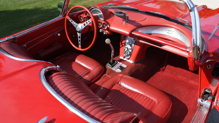 1962 Chevrolet Corvette 327/300 HP, 4-Speed presented as lot F267 at St. Charles, IL 2011 - image7
