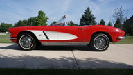 1962 Chevrolet Corvette 327/300 HP, 4-Speed presented as lot F267 at St. Charles, IL 2011 - thumbail image2