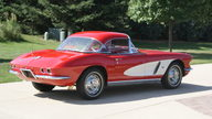1962 Chevrolet Corvette 327/300 HP, 4-Speed presented as lot F267 at St. Charles, IL 2011 - thumbail image5